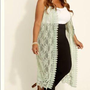 Plus size - Floral Lace Duster Vest